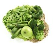 Серии различной зеленой еды аранжировали совместно изолированный на whi Стоковое Фото