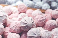 Серии сладкого зефира белые и розовые стоковые изображения rf