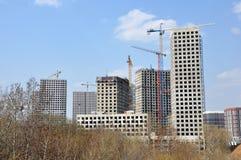 Серии строительной площадки башни с кранами и построением стоковое изображение rf