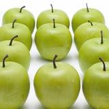 серии яблок кудрявые зеленые Стоковые Фотографии RF