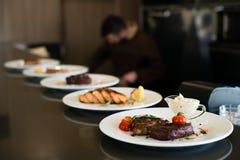 серия плит еды Стоковые Фото
