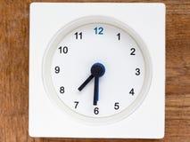 Серия последовательности времени на простых белых сетноых-аналогов часах Стоковые Изображения