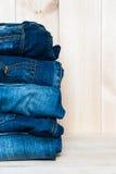 Серия различных голубых джинсов голубых джинсов Стоковые Фотографии RF