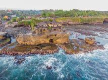Серия Tanah - висок в океане bali Индонесия Фото от стоковые изображения rf
