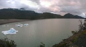Серое озеро Стоковое Изображение