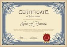 Сертификат рамки достижения винтажной флористической Стоковое фото RF