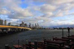 Серферы Paraise и rom моста ресторан Стоковая Фотография
