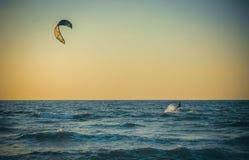 Серфер моря фото далеко Стоковые Фотографии RF