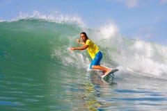 Серфинг волны Стоковое Фото