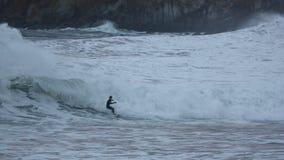 Серфинг на пляже Donostia Zurriola Стоковые Изображения