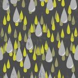Серые и зеленые падения дождя на темноте Стоковая Фотография