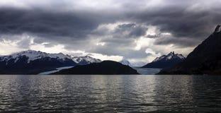 Серые озеро и ледник, Torres del Paine, Чили Стоковые Изображения RF
