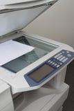 Серые принтер компьютера или машина экземпляра Стоковые Изображения