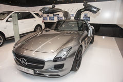Серый автомобиль amg sls Мерседес-benz Стоковая Фотография