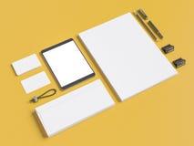 Серый клеймя модель-макет Шаблон установленный на желтую предпосылку Стоковое фото RF