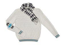 Серый пуловер с шарфом Стоковые Фотографии RF