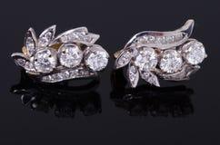 Серьга диаманта Стоковые Фотографии RF
