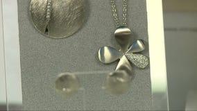 Серьги и ожерелья 2 сток-видео