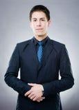 Серьезный молодой человек Стоковые Фотографии RF