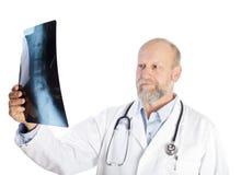 Рассмотрение рентгеновского снимка Стоковая Фотография