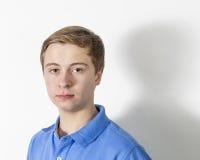 Серьезный смотря мальчик Стоковые Фотографии RF