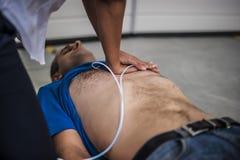 Сердечный массаж Стоковые Изображения RF