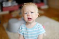 Сердитая девушка малыша осадки Стоковые Фото