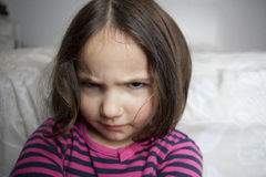 сердитая девушка немногая стоковое изображение