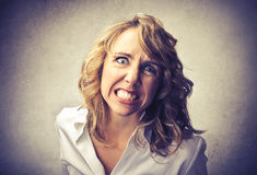 Сердитая женщина стоковое фото
