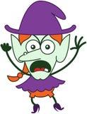Сердитое чувство ведьмы хеллоуина злющее и протестовать Стоковое фото RF