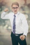 Сердитый бизнесмен с предпосылкой bokeh Стоковая Фотография RF