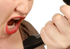 сердитый звонящий по телефону Стоковое Фото