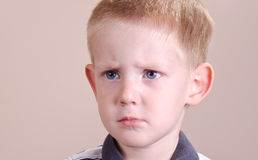 Сердитый мальчик Стоковые Изображения