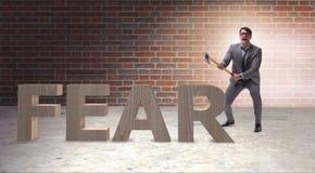 Сердитый человек при ось axing страх слова Стоковое Фото