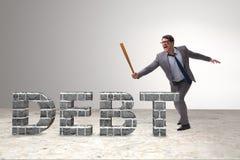 Сердитый человек с долговым бременем бейсбольной биты Стоковое Изображение RF