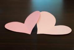 2 сердца валентинки бумажных Стоковое Фото