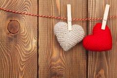 Сердца валентинок игрушки Handmaded на веревочке Стоковые Фотографии RF