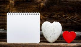 2 сердца и блокнота Стоковое Изображение RF