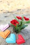 Сердца и цветок валентинки бумажные Стоковая Фотография