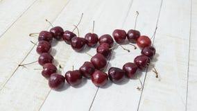 2 сердца на белой предпосылке, конспекте влюбленности Стоковая Фотография