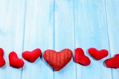 Сердца на деревянном столе Стоковые Фото
