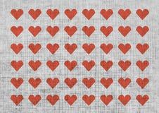 Сердца дня валентинки на бумажной текстуре Стоковые Фотографии RF