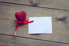 Сердца дня валентинки на деревянной предпосылке Стоковая Фотография RF