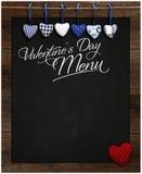 Сердца доски меню дня валентинки голубые и красные холстинки влюбленности стоковые изображения rf