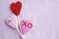 Сердца печенья леденца на палочке Стоковые Изображения