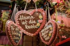 Сердца пряника на рождественской ярмарке Стоковое Изображение