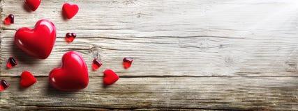 сердца любят красный цвет стоковые изображения rf