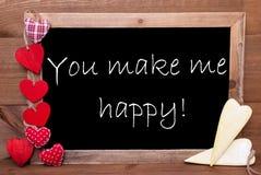 Сердца Chalkbord, красных и желтых, закавычат вас делают меня счастливый Стоковая Фотография