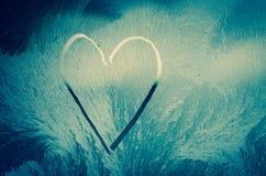 Сердце в морозном окне Стоковая Фотография RF