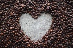 Сердце влюбленности кофе стоковые фотографии rf